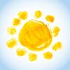 Векторный клипарт: детски акварель солнце на голубом небе