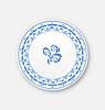 Векторный клипарт: Белая тарелка с русским национальным орнаментом в