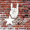 Rockstar-Symbol mit Zeichen der Hörner Geste. Schablone