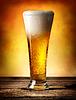 啤酒有气泡 | 免版税照片