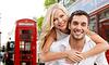 Glückliches Paar umarmt über London Stadtstraße | Stock Photo