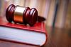 Richter Hammer auf Gesetzbuch ruhen | Stock Foto