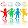 Farbige Kinder mit Chat-Sprechblasen