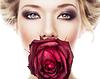 레드 매력적인 여자가 입에 상승 | Stock Foto