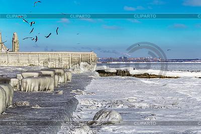 Encrusted Black Sea city embankment and gulls | Foto stockowe wysokiej rozdzielczości |ID 4644045